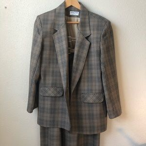 Alfred Dunner 2 Piece Suit Size 14